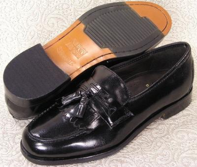 Picture of Nunn Bush Manning kilt Tassel Slipon (Black)